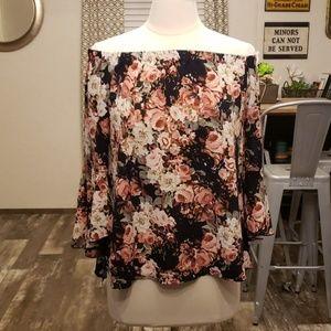 Adam Levine flutter sleeve floral blouse L